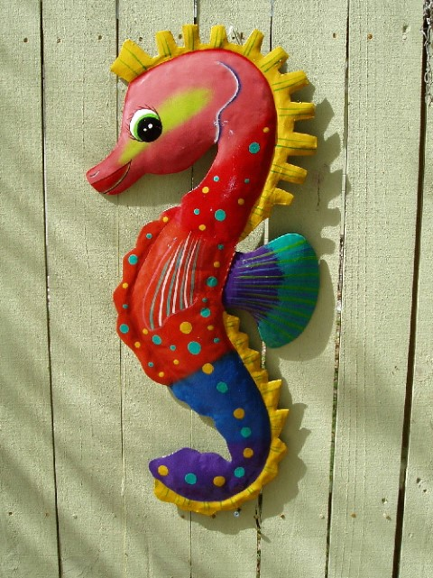 "28"" Faye The Funky Seahorse Wall Art"
